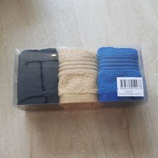 Jean Perry 3 pc Face Towel