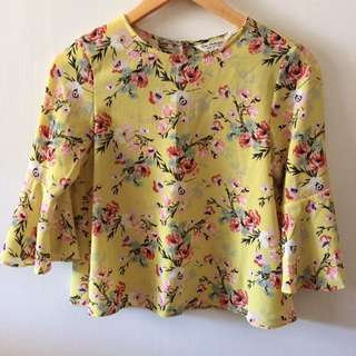 Miss selfridge yellow floral bell shaped sleeve