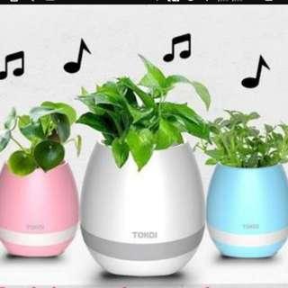 Smart LED flower pot w/ Bluetooth Speaker