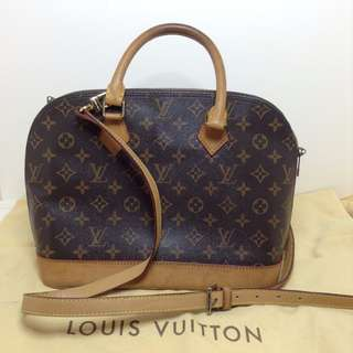 AUTHENTIC LV ALMA 30