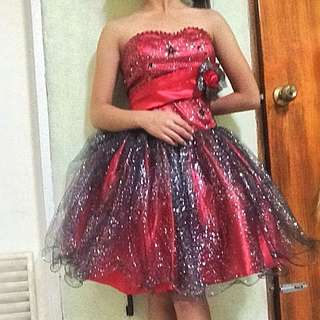 Red cocktail gown / cocktail dress