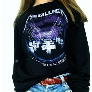 Black retro style Metallica sweater