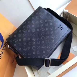 LV DISTRIC PM With Box and papers
