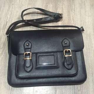Satchel Black Bag ✔️