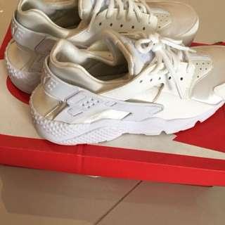 Nike Women's Air Huarache Running Shoe in White