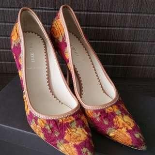 MIU MIU高踭鞋