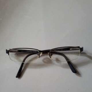 Kacamata Burberry Frame