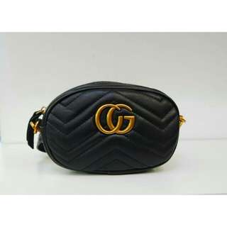 GUCCI LADIES POUCH (BLACK)