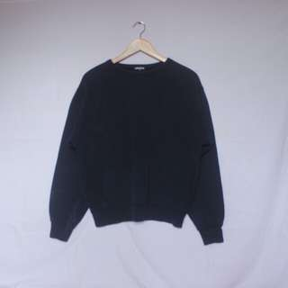 UNIQLO navy blue pullover