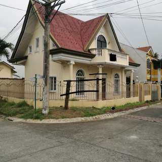 Resale House and Lot in Town and Country Subdivision Dasmarinas 3.3M