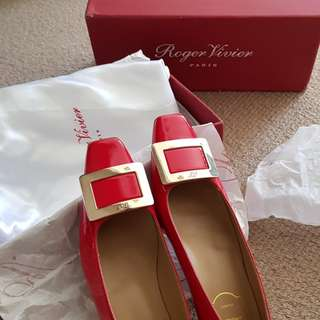 Roger Vivier Shoes - only worn once