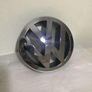 Volkswagen Golf GTI Emblem - Front