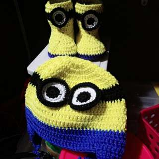 Crochet minion hat and boots