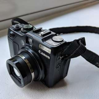 Canon Powershot G12 with 8GB SD card