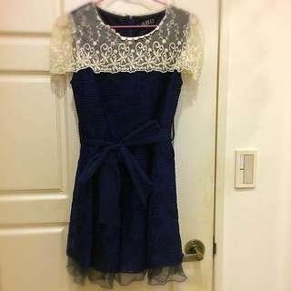 🚚 質感蕾絲波紋深藍洋裝