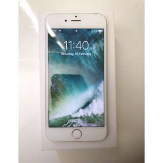 iPhone 6 silver 64 GB in box + screen protector