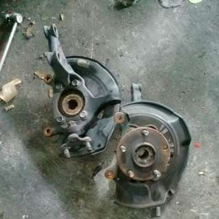 Toyota estima front knuckle witi wheel bearing