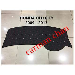 HONDA OLD CITY 2009-2013 DAD NON SLIP DASHBOARD COVER WITH DIAMOND