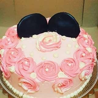 Pinkie Buttercream Cake