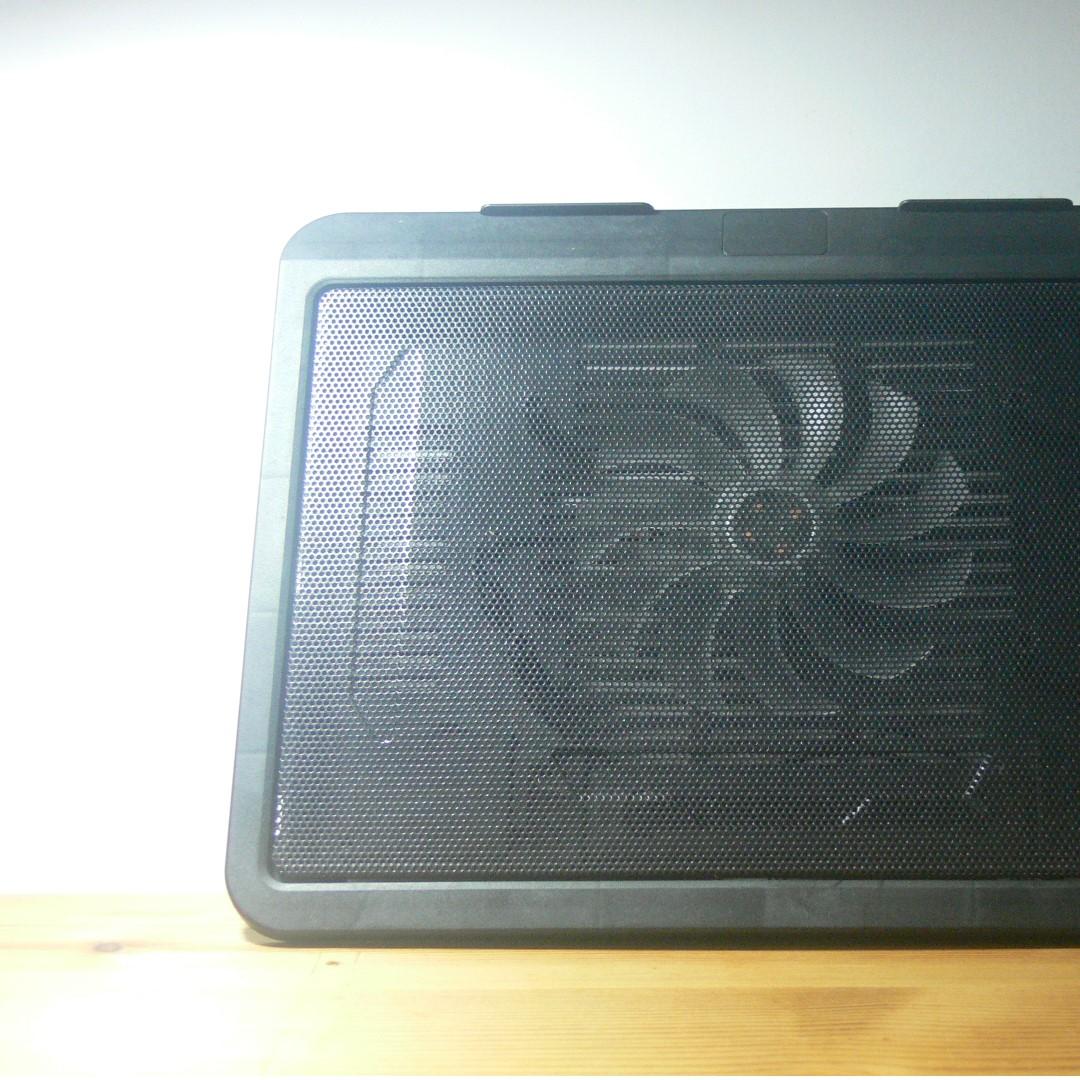 筆記型電腦專用散熱墊(15.6吋以下)