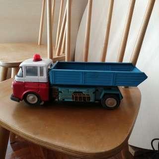 鐵皮玩具車