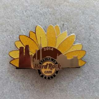 Hard Rock Cafe Pins ~ BERLIN HOT 2014 SPRING IN BERLIN SKYLINE!