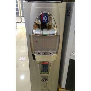 Dispenser Uchida galon bawah kompresor kredit tanpa DP
