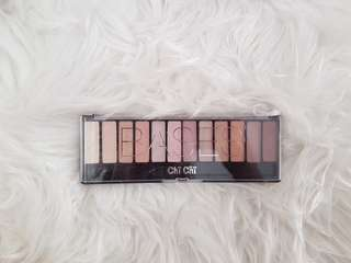 Chi Chi Bases Eyeshadow Palette neutral