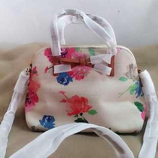 情人節禮品首選kate spade women bag (原價US268)