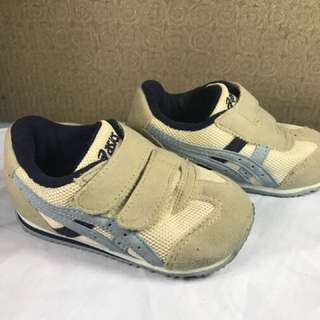 Authentic asic shoes for kids