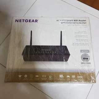 Netgear R6220