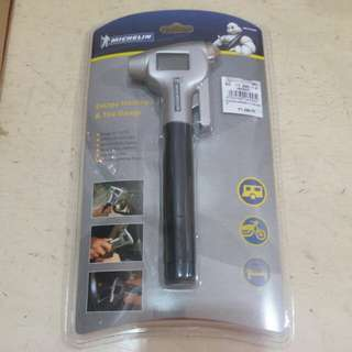 Michelin Escape Hammer and Tire Gauge