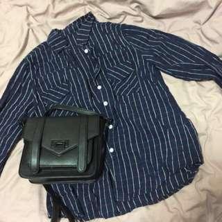 格子深藍襯衫
