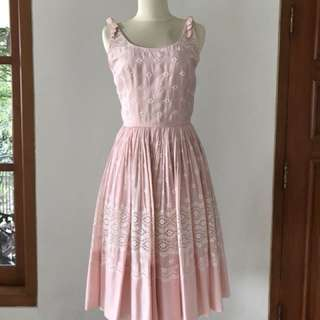 VTG 1950s Light Pink Dress with Bows & Lace