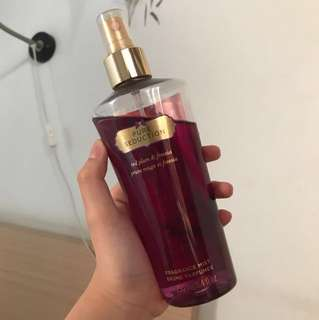 Parfume Victoria's Secret Perfume Pure seduction red plum vanilla original rose body mist fragrance