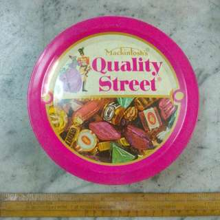 UK Mackintosh's Quality Street Chocolates & Toffees Tin Vintage