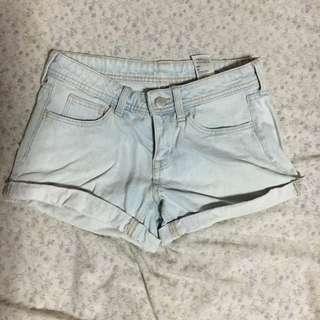 H&M low waist shorts
