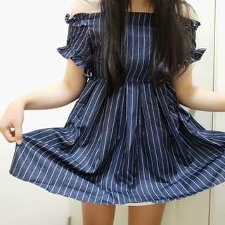 🚚 軟妹條紋一字領連身裙