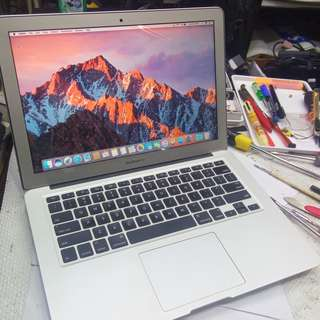 MacBook Air 13-inch 2012