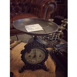 //ORI DECO工業風老件// 英國製 家用古董秤 鑄鐵造型 超美 名片架