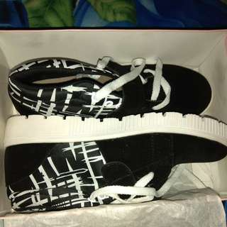 Sepatu Sneaker Garsel
