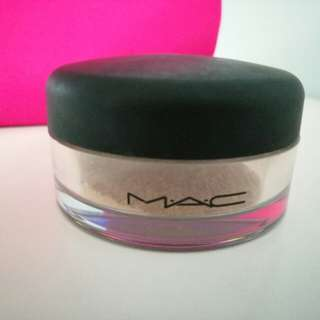 MAC powder 面部碎粉