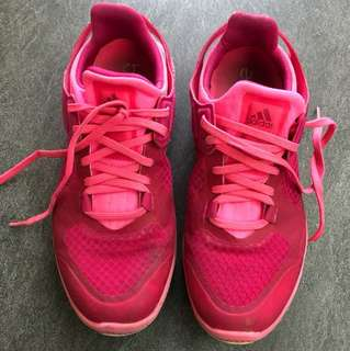 Adidas bounce pink sport shoe