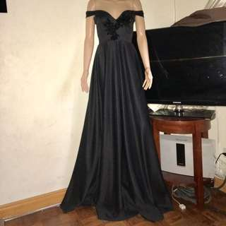 Off shoulder gown for rent only 😊