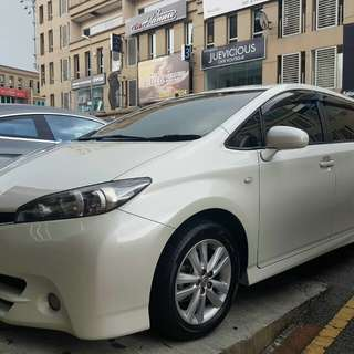 Toyota Wish 1.8S Push Start Keyless