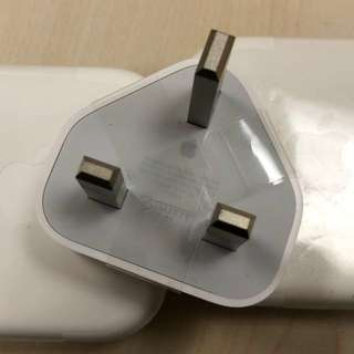 apple 5W USB adapter