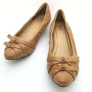 a145eab7cb50 twelve15twenty DOLLY Brown Lambskin Leather Ribbon Kitten Heels