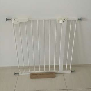 IKEA Baby Safety Gate no need to drill to wall