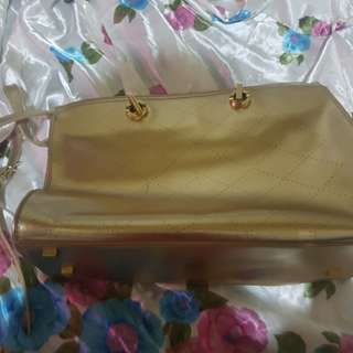 charles and keith shoulder bag!very goodconditions