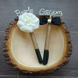 Pen with Bride and Groom, click details for rent